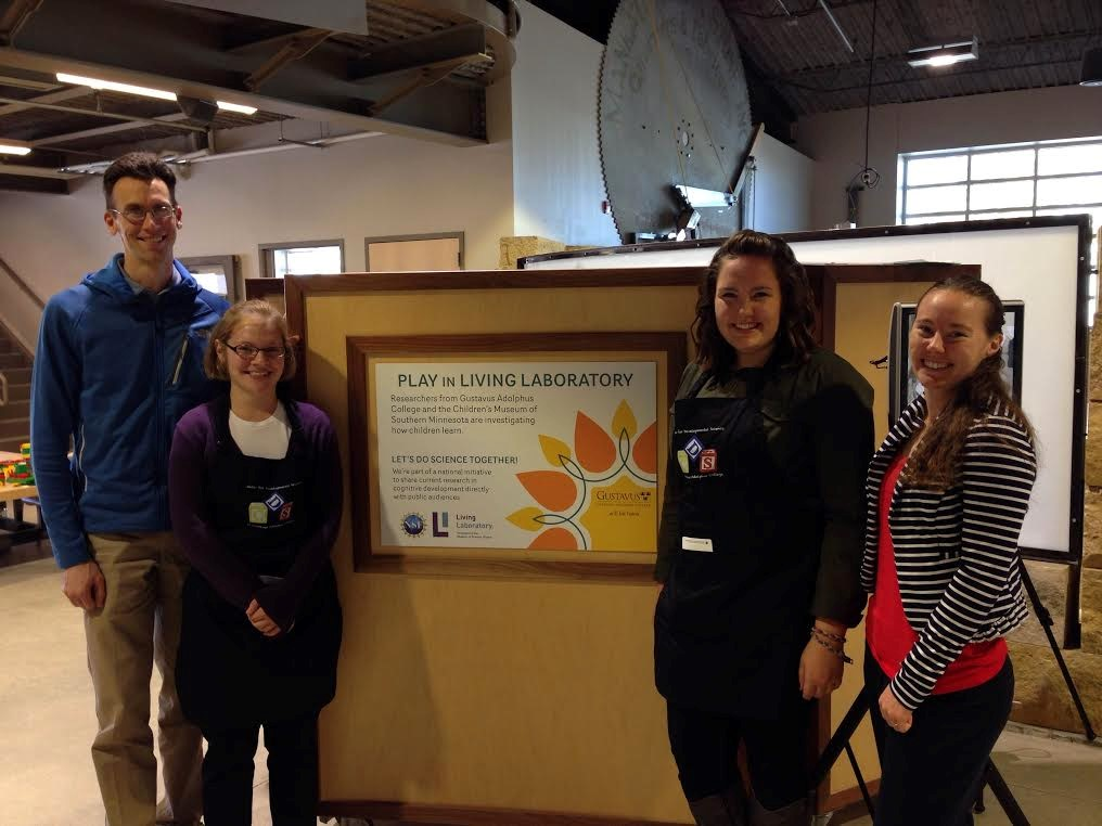 Gustavus Professor Kyle Chambers with students Caroline David '16 and Janey Ross '16 along with Katie Todd from the Museum of Science